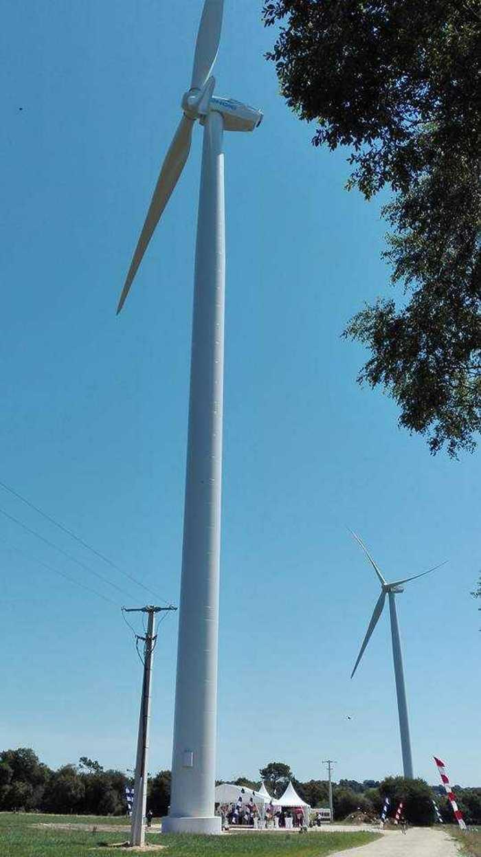 Parc éolien de Scaer 1987531219497031786471663393833223981494183n