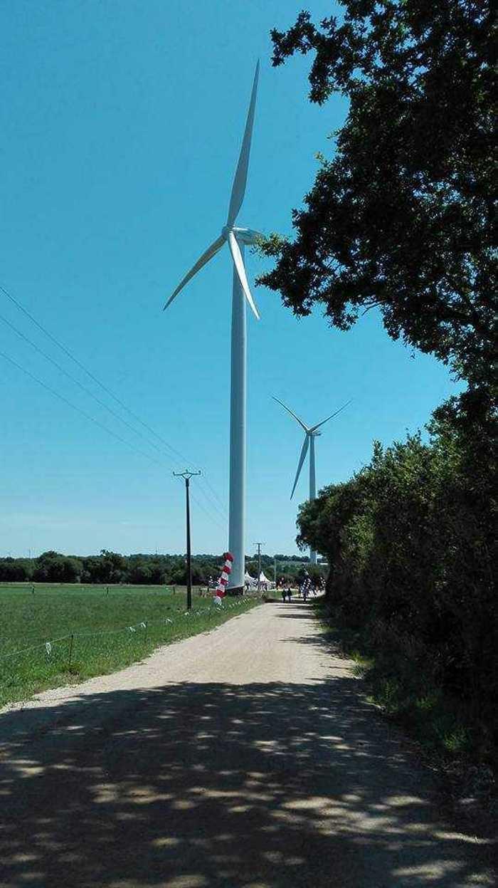 Parc éolien de Scaer 1990501919497031253138386043245654519117070n